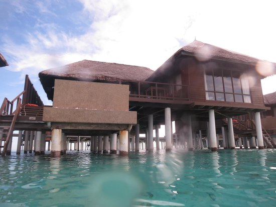 Coco Bodu Hithi: Escape Water Villa