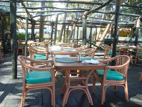 Lido Sea Food Grill: Seating area