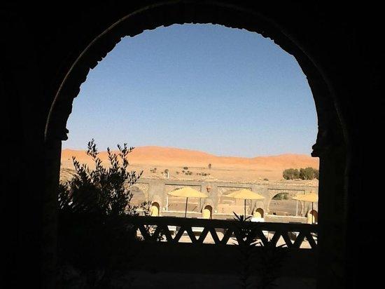 Kasbah Azalay Merzouga: Vistas a las dunas desde la habitación