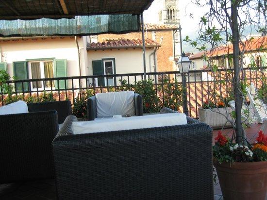 Residence Manassei: террасса на крыше