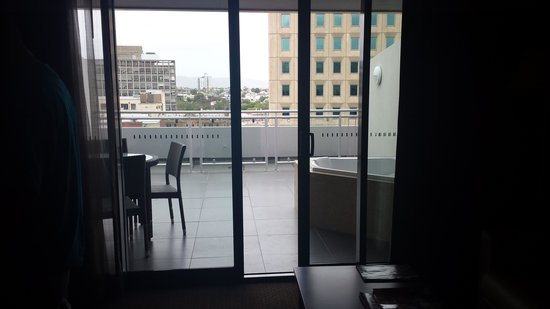 RACV/RACT Hobart Apartment Hotel: looking out onto balcony