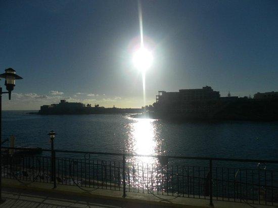 Marina Hotel Corinthia Beach Resort: Evening view from balcony
