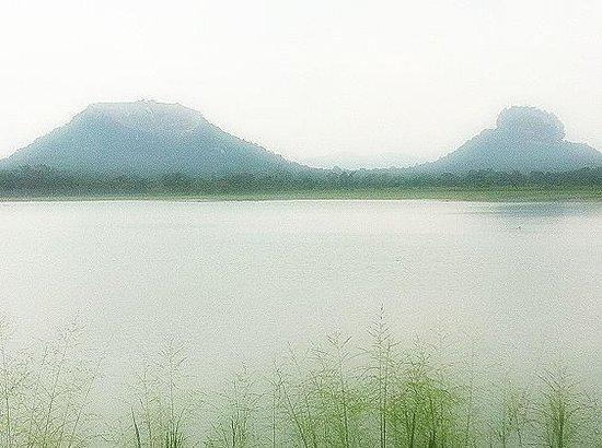 Sigiriya Melrose Villas: Sigiriya and pidurangala