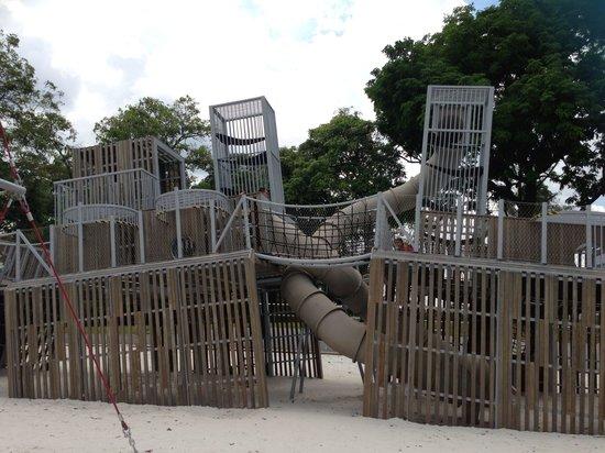Sembawang Park: Playground equipment