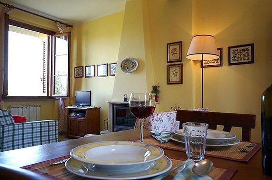 Tenuta La Cipresseta: particolare soggiorno