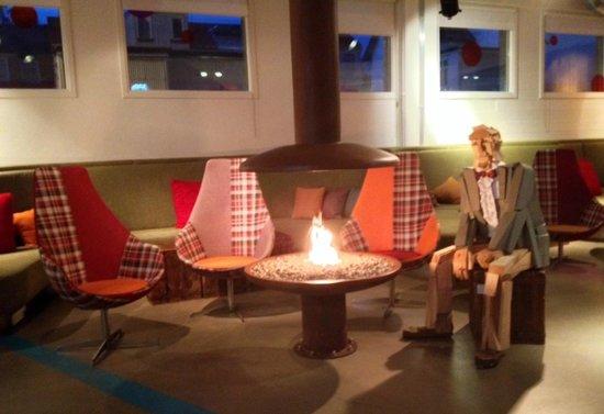 Icelandair Hotel Reykjavik Marina: A Cozy Modern Art Lobby