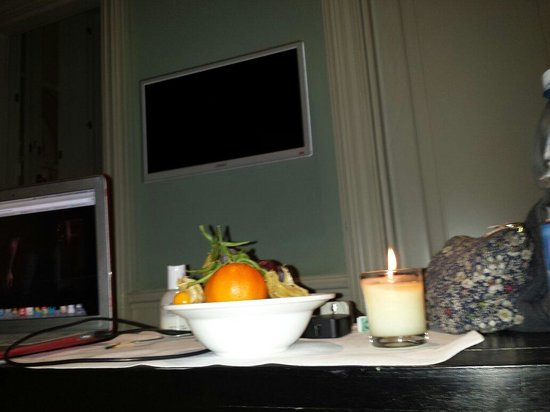JK Place Firenze : Fresh fruit placed in my room