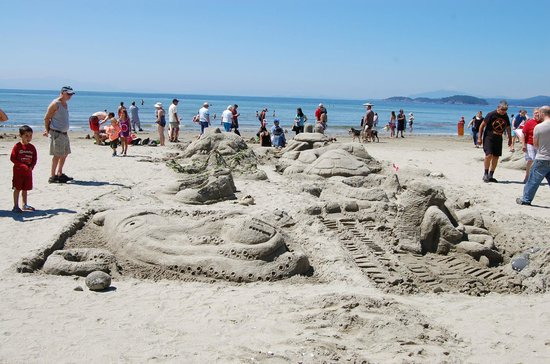 Bella Beach Inn : Davis Bay - Annual Sand Castle Event (1)