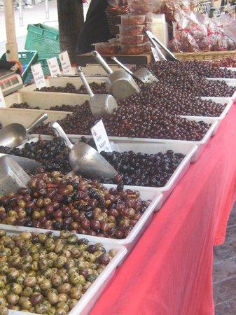 Marché aux Fleurs Cours Saleya: MERCATO