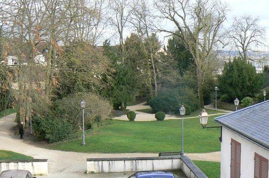 La Maison Des Randonneurs: vue du parc Paul Bert