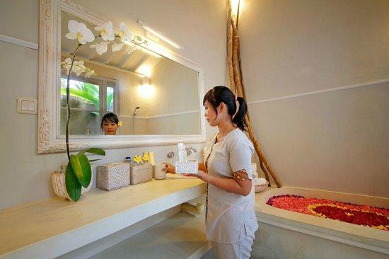The Lodek Villas: bathroom