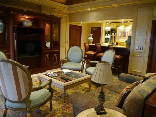Peermont D'oreale Grande at Emperors Palace: lounge