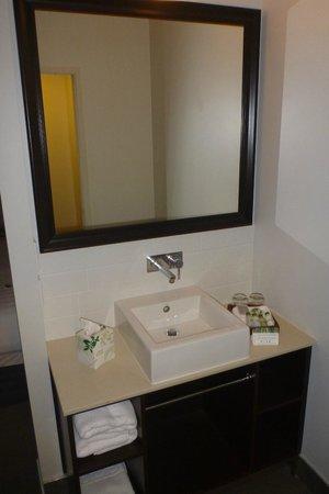 Rydges: View of the Bathroom vanity - quite modern