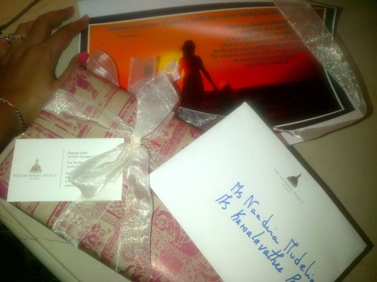 The Taj Mahal Palace: surprise gift that we received from Pranali