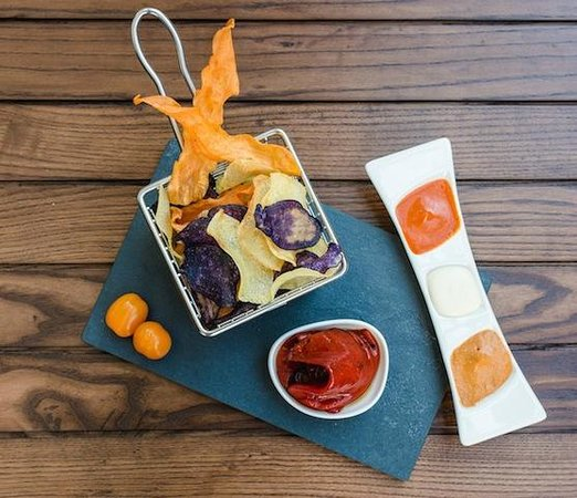 Potato & beet chips with dipping sauces