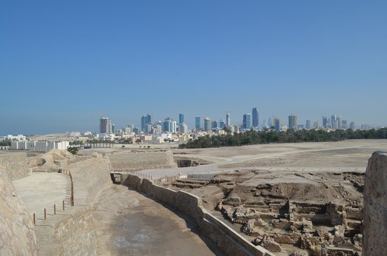 Qalat al Bahrain: centuries of views