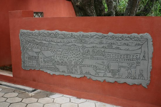 Hotel Au bois vert : fresque  ur mur