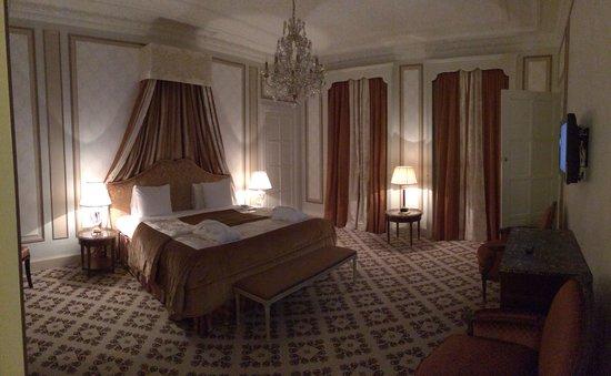 Hotel Metropole : Suite 319