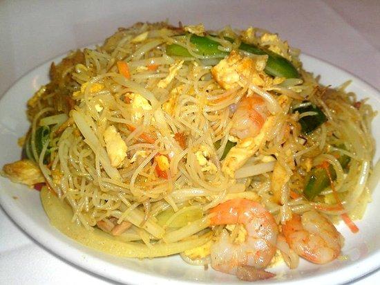 Zen Garden: Singapore Noodles