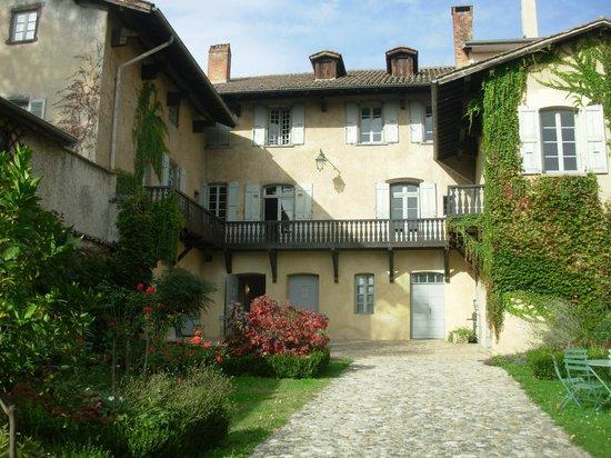 Musée Hector Berlioz : la maison vue du jardin.