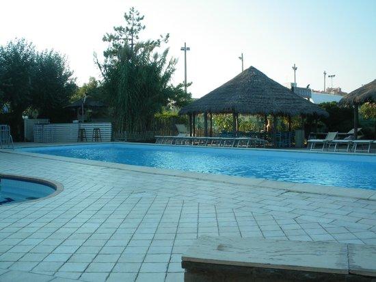 Grand Hotel Azzurra Club: piscine