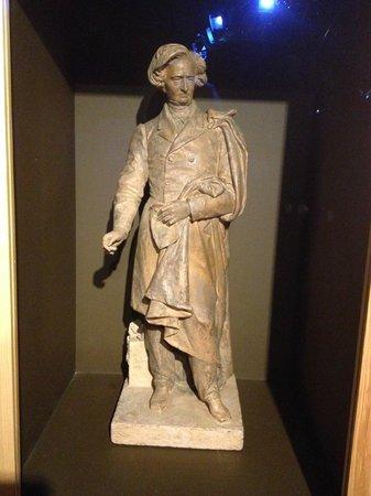 Musée Hector Berlioz : Statue de Berlioz.