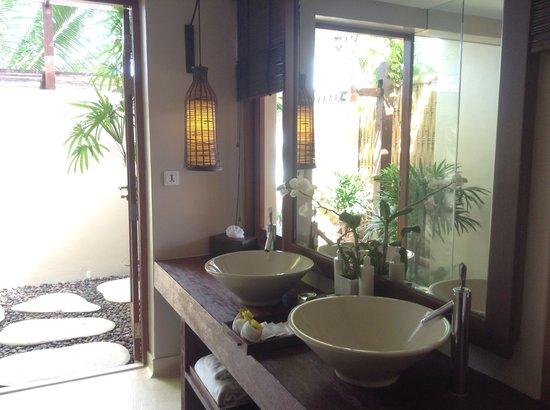 Anantara Rasananda Koh Phangan Villas: Bathroom