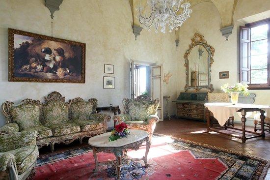 Villa Poggio Bartoli: La sala del Settecento