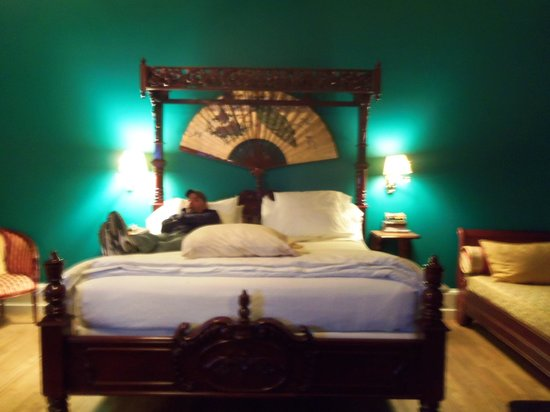 The Southern Mansion: High bed!!