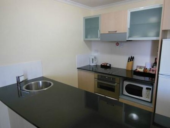 Rydges Mount Panorama Bathurst: Kitchen Facilities