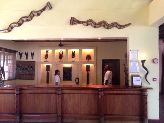 Chobe Marina Lodge: Reception area
