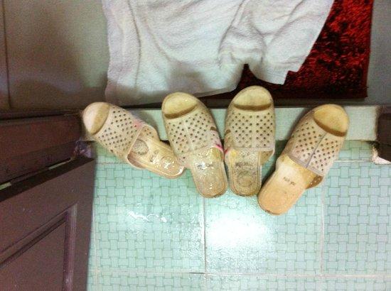 Tan Phuong: Tongs sales