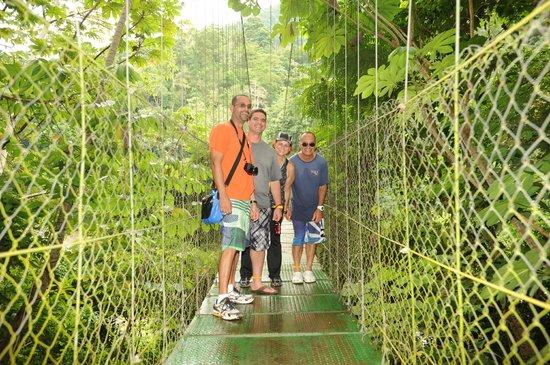 La Villa de Soledad B&B: Puente colgante a solo pasos de Villa Soledad