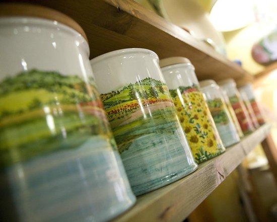 Materia Ceramica: Barattoli decorati a mano