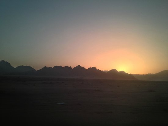 Red C Villas: Sunset in Sinai
