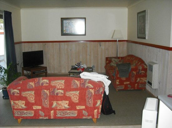 The Crays Accommodation: Lounge area