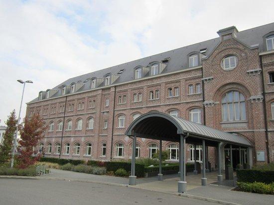 Hotel Verviers Van der Valk : Ingang van het hotel
