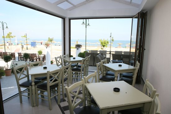 Nea Vrasna, Greece: caffe sea view