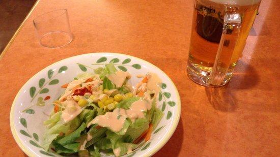 Saizeriya, Chigasaki : ビールとサラダ