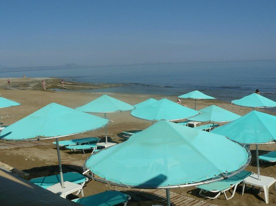 Jo-An Beach Hotel: пляж пологий