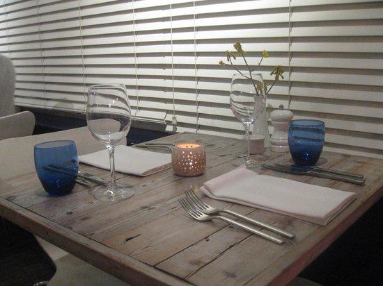 The Gallivant: Restaurant Table