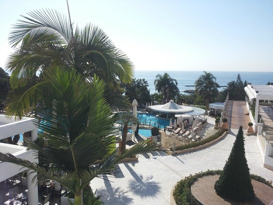 Mediterranean Beach Hotel: pool