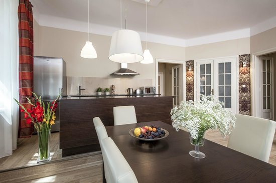 Sodispar Serviced Apartments: Dining area in Dublin apartment