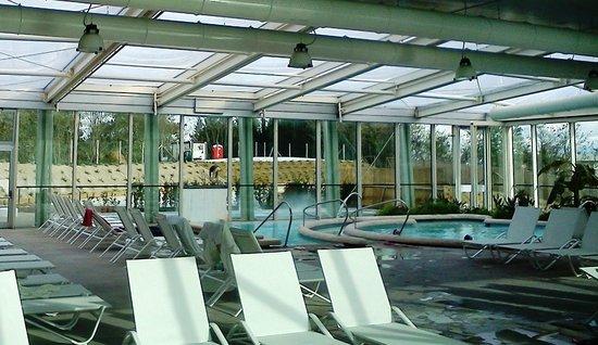 Una modella alle terme foto di piscine termali theia - Piscine theia chianciano ...