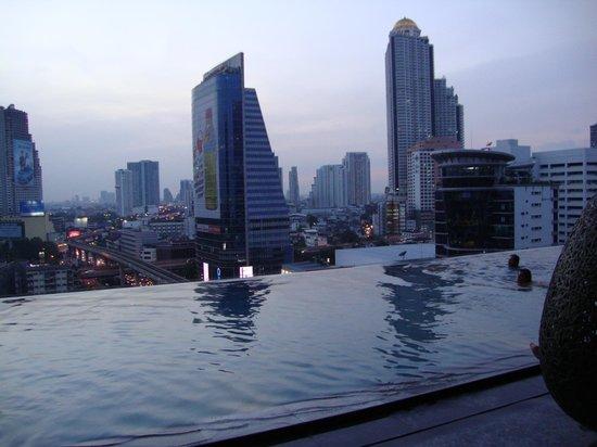 Eastin Grand Hotel Sathorn: Pool