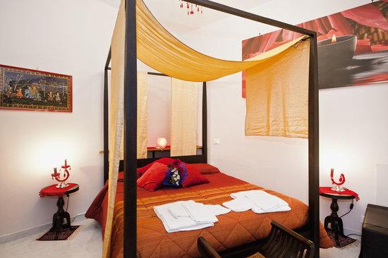 Holidays Rooms Rome: HYPNOTIC - camera matrimoniale superior