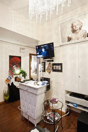 Holidays Rooms Rome: La LOCATION