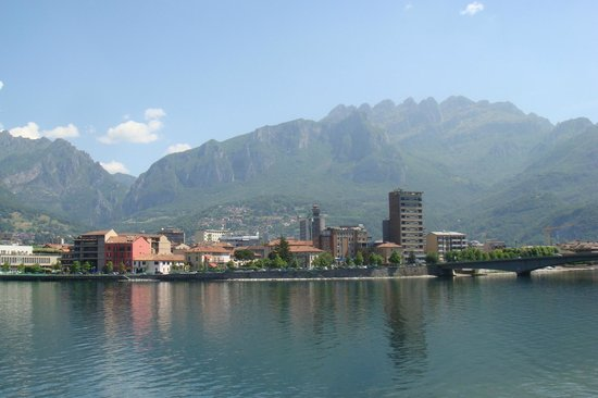 Clarion Collection Hotel Griso Lecco: View over lake and Lecco