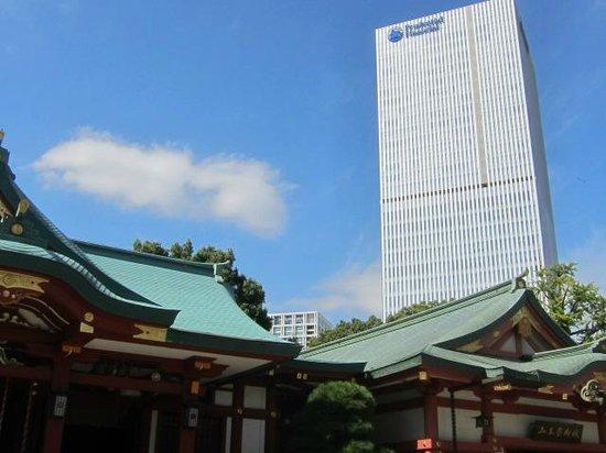 Hie Shrine: 不思議な景色