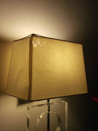 The Waterside Hotel : Bashed lamp